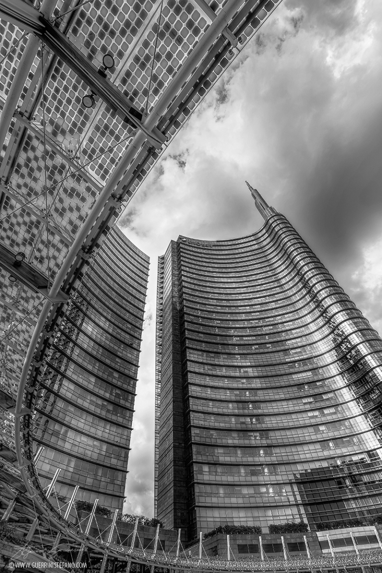 Milano torre by Guerrini Stefano