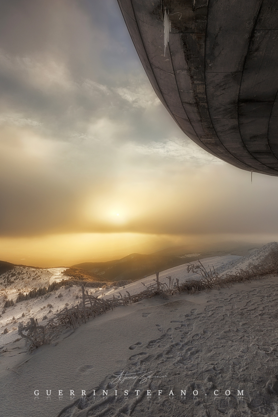 buzludzha-stunning-sunset-1000px-by-guerrini-stefano