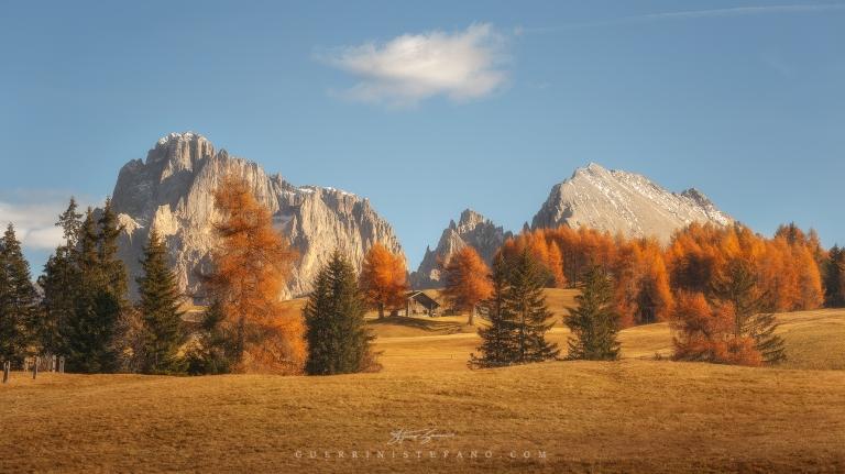 Baita Seiser Alm Alpe di Siusi Autunno by Guerrini Stefano